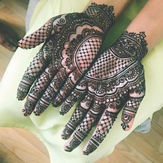 Pretty & Classic Mehndi Designs for the Mother of the Bride/Groom Mehndi Art Designs, Mehndi Designs For Hands, Indian Mehendi, Elephant Design, Henna Artist, Bridal Mehndi, Mother Of The Bride, Sassy Girl, Pretty