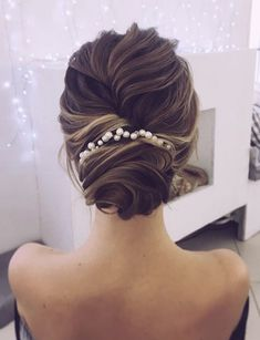 Wedding Hairstyle Inspiration - Lena Bogucharskaya #weddings #weddinginspiration #hairstyles #weddingupdo #updo #hairstyle