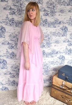 Discover new and vintage dresses at ASOS Marketplace. Take your pick from retro evening gowns, shifts, maxis, babydolls and thousands more styles. Dress Shirts For Women, Clothes For Women, Angel Sleeve, Vintage Boutique, Evening Gowns, Vintage Dresses, Cape, Cold Shoulder Dress, Photoshoot