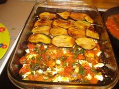 Η μαμά Χρύσα προτείνει μια συνταγή που απογειώνει τη γεύση!!!!!      Τη συνταγή την αφιερώνω στους δυο γιους μο... Greek Cooking, Easy Cooking, Cooking Recipes, Healthy Recipes, Greek Recipes, Vegetable Recipes, The Kitchen Food Network, Eggplant Recipes, No Cook Meals