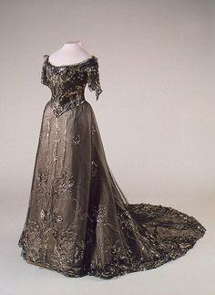 8-11-11 1900s dress via The Hermitage Museum