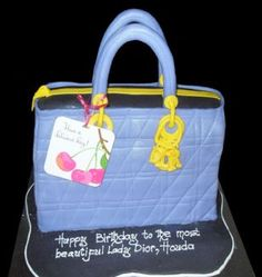 best cake design in Dubai quality services.