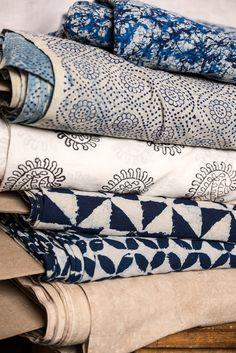 Indigo Windmill The Rajasthan Express Collection Merchant & Mills - Stitch 56 - 1 Textile Texture, Textile Fabrics, Textile Patterns, Home Textile, Textile Design, Fabric Design, Shibori, Estilo California, Merchant And Mills