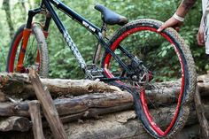 MTB Dating is the dating site for singles with a passion for mountain biking. Shred the mountain bike trails together; Mt Bike, Bike Mtb, Cycling Bikes, Road Bike, Cycling Art, Cycling Jerseys, Road Cycling, Downhill Bike, Fully Bike