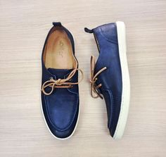 Diller Shoes .