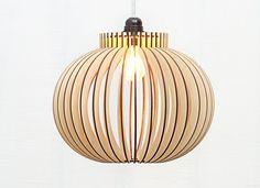 Déjà assemblé scandinave de style en bois, lampe suspendue / éclairage / design lampe / lampe cuisine / lampe / dark lampe en bois « S de Paris »