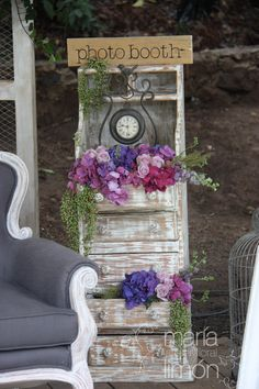 Love this Vintage Photo Booth area for a Wedding :-)  What a Fab idea