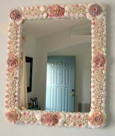 Flowers From The Sea, Medium seashell mirror decor / Large Seashell Mirrors / Shell Decor™ > Beautiful, decorated Sea Shell and Seashell Mirrors.