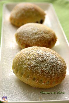 Biscotti di ricotta e marmellata. Avevo voglia di un biscotto diverso dai soliti di frolla e, spulciando il libro di ricette della Clerici