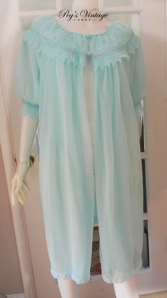 Vintage Dorsay Montex Sheer Green Chiffon Rode/Peignoir 1960's Night Gown, Size M/L Lingerie by PegsVintageShop on Etsy