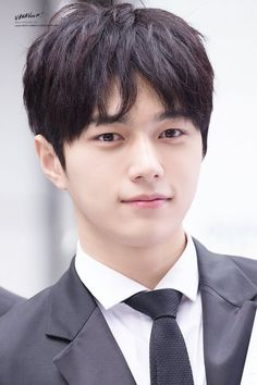 all for myungsoo Asian Actors, Korean Actors, Short Hair For Boys, Korean Picture, Kim Myungsoo, Yoon Eun Hye, Lee Sungyeol, Kim Sung Kyu, Monsta X Hyungwon