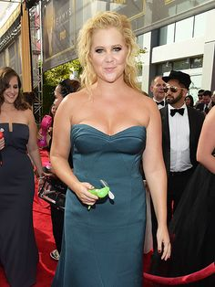 'I Have Plans Tonight': Amy Schumer's 'Best.: 'I Have Plans Tonight': Amy Schumer's 'Best Friend' Apparently Didn't… Beautiful Girl Photo, Beautiful Women, Amy Schumer, Dating Girls, White Off Shoulder, Classy Women, Sexy Women, Golden Globes, Celebs