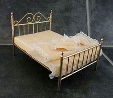 Puppen Haus Miniatur Schlafzimmermöbel Messing Doppel Bett & Bettzeug 3805
