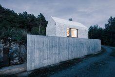 dekleva gregorič arhitekti completes compact karst house in slovenia - designboom | architecture