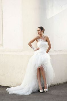 Really inexpensive hi lo wedding gown tulle Hi Lo Wedding Dress, Tulle Wedding Gown, Wedding Dresses Uk, Designer Wedding Gowns, Bridal Dresses, Ivory Wedding, Strapless Organza, The Dress, Marie
