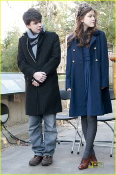 love this outfit georgie henley wore when she and skandar keynes went to that zoo opening