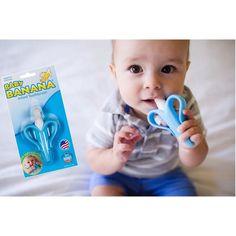 Baby Banana Diş Kaşıyıcı Diş Fırçası - Mavi Muz 6990 TL  BABY BANANA DİŞ KAŞIYICI DİŞ FIRÇASI MAVİ MUZ  Yoğun istek üzerine erkek bebeklere özel mavi renk ile üretilmiştir. Bir ağız bakım uzmanı anne tarafından yaratılan Baby Banana Diş Kaşıyıcı Diş Fırçası bebekler için ideal bir diş fırçalamaya alıştırma aracıdır. Eğlenceli muz şekli ve yumuşak dokusu ile hem diş kaşıyıcı görevi görür hem de diş fırçalamayı eğlenceli bir şekilde deneyimlemelerine yardımcı olur. %100 gıda sınıfı en yüksek…