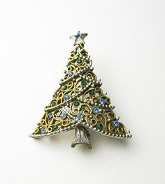 Christmas Pin Costume Jewelry Rhynestones USA ca by TampicoJewelry, $25.00