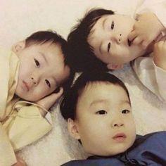 💗💗💗 Little Babies, Cute Babies, Song Il Gook, Triplet Babies, Superman Kids, Korean Tv Shows, Song Triplets, Song Daehan, Japanese Kids