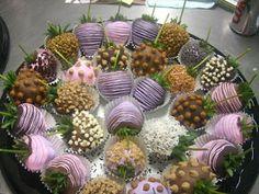 Fresas decoradas con chocolate.