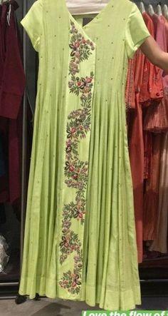 30 New Ideas fashion dresses formal classy neckline Trendy Dresses, Nice Dresses, Casual Dresses, Fashion Dresses, Maxi Dresses, Classy Gowns, Classy Dress, Classy Casual, Kurta Designs