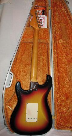 Fender stratocaster 1966 3 Tone Sunburst | Reverb