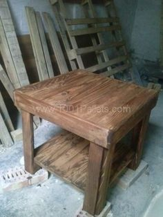 Recycled Pallet Table, a simple template that can be adapted for multiple sizes and styles of table or shelf