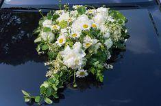 Hier findet ihr viele Beispiele für Autodeko zur Hochzeit mit Blumen... | Tipps & Infos | Inspirationen | Viele schöne Beispielbilder