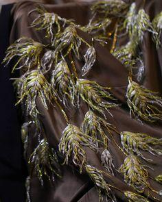 Фрагмент вышивки на шелковом халате из коллекции #alexanderarutyunov весна-лето 2017. Вышивка ...