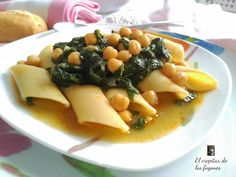 Cocineros del Mundo: Recetas del Reto de Septiembre 2016 - Granadas o Espinacas Potaje de Pennoni con Espinacas y Garbanzo del blog  El crepitar de los fogones