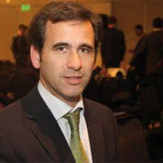 """Entrevista con Juan Bosch, Presidente de SAESA: """"Está pendiente una norma que facilite la firma de contratos de energía renovable entre privados"""""""