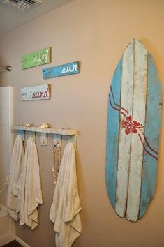 seeshellspace: My Beachy Bathroom Makeover for under $30
