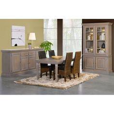 Cette splendide salle à manger est composée d'un bahut à 4 portes 2 tiroirs, d'un argentier à 4 portes et enfin d'une table avec ses 4 chaises en simili cuir...