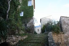 rue du vieux village