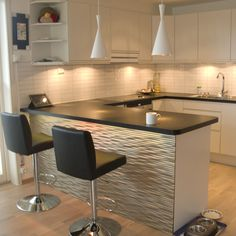 Modern Kitchen Interior 30 Designs Perfect for Your Small Kitchen area Kitchen Bar Design, Home Decor Kitchen, Interior Design Kitchen, Kitchen Furniture, Home Kitchens, Modern Kitchen Interiors, Modern Kitchen Cabinets, Interior Modern, Cuisines Design