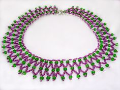 Free pattern for necklace Laura  Click on link to get pattern - http://beadsmagic.com/?p=6182