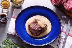 Il filetto alla Woronoff è un secondo piatto di carne davvero delizioso: un tenero filetto scottato e servito con una salsa a base di panna fresca!