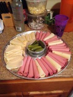 Bologna, provolone, and Swiss cold cut platter Meat Platter, Cold Cuts, Bologna, Chocolate Fondue, Showers, Dips, Food Ideas, Sandwiches, Tray