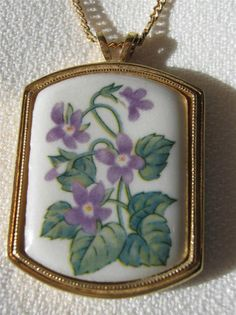 """RARE February Birth Month Violet Flower Pendant/Necklace. Marked """"Avon"""". This would be a great addition to any collection."""