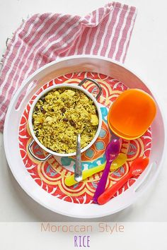 Moroccan style chicken rice is great for kids. There is a lovely sweetness from the cinnamon and raisins but it is not over powering. Moroccan Rice, Moroccan Style, Toddler Meals, Kids Meals, Toddler Food, Chicken Rice, Healthy Chicken, Childrens Meals, Puerto Rican Recipes
