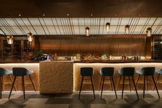 Red Design Looks to the Sea for Western-Japanese Fusion Restaurant Umi in Shanghai Japanese Restaurant Interior, Japanese Interior Design, Japanese Design, Lounge Design, Sushi Bar Design, Shanghai, Japanese Bar, Traditional Dining Chairs, Restaurant Lounge
