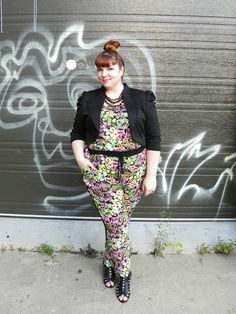 Jumpsuit fever (Part 2 of / La fièvre du Jumpsuit (Partie 2 de I decided to show you today a smooth transition from a summer look into an office look. Sometimes, all you need is a jacket and a. Office Looks, Summer Looks, Outfit Of The Day, Smooth, Jumpsuit, Plus Size, Jackets, Outfits, Clothes