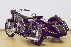 BMW R50 known as 'BMW Boxer' with side car _ 2