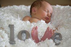 sibling newborn photo idea
