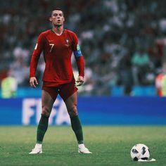 Cristiano Ronaldo taking his last free-kick in the FIFA world cup 18 Russia. Cristiano Ronaldo Portugal, Cr7 Ronaldo, Cristiano Ronaldo 7, God Of Football, Chelsea Football, Football Stuff, Isco, Real Madrid, Milan