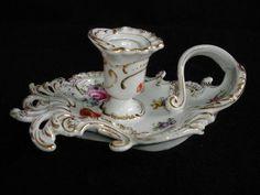 Svícen * bílý porcelán s malovanými květy a zlatem.