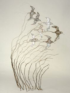 Celia Smith works with recycled wire to make stunning bird and animal sculptures and is one of Skills in the Making (NSEAD) very popular makers.