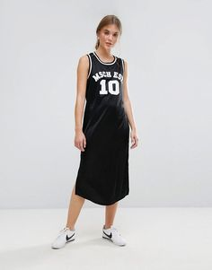 Get this Moss Copenhagen's midi dress now! Click for more details. Worldwide shipping. Moss Copenhagen Basketball Midi Dress With Varsity Logo - Black: Midi dress by Moss Copenhagen, Smooth woven fabric, Crew neck, Varsity logo, Split sides, Regular fit - true to size, Machine wash, 100% Polyester, Our model wears a UK S/EU S/US XS and is 175cm/5'9 tall. Born in the Danish capital, Moss Copenhagen takes understated cool to new levels. Think chill vibes and fresh designs in silky fabrics for…