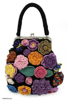 2015 Michael Kors Outlet - Factory Direct Sale Online : New Products - Totes Shoulder Bags Clutches Satchels Wallets Shoes Accessories Backpacks Crossbody Bags Value Spree Crochet Handbags, Crochet Purses, Freeform Crochet, Knit Crochet, Crochet Motif, Crochet Accessories, Bag Accessories, Flower Bag, Crochet Buttons