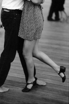 Love that he is barefoot - dance anywhere !